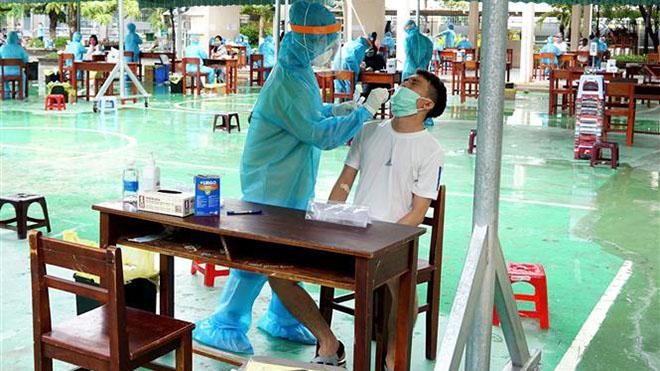 Dịch COVID-19: Việt Nam ghi nhận 30 ca dương tính với SARS-CoV-2