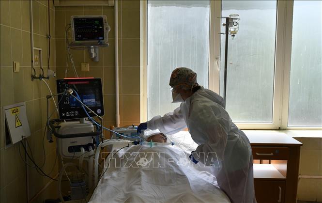 Bệnh nhân điều trị Covid-19 tại bệnh viện Lviv, Ukraine