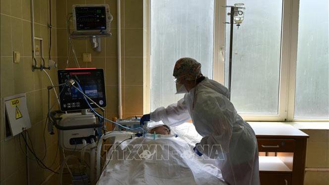 Dịch COVID-19: Ukraine ghi nhận số ca tử vong cao nhất trong 1 ngày