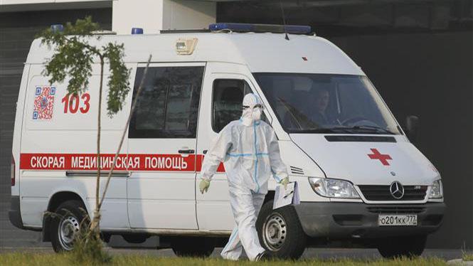 Dịch COVID-19: Số ca mắc mới trong ngày tại Nga lại tăng lên trên 10.000 ca