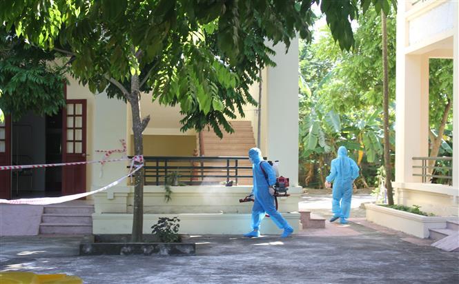 Khu vực cách ly, điều trị 2 ca bệnh COVID-19 tại Phòng khám Đa khoa khu vực Cầu Yên, huyện Hoa Lư, tỉnh Ninh Bình. Ảnh: Thùy Dung - TTXVN
