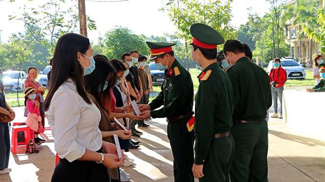 Việt Nam ghi nhận 8 ca mắc COVID-19 mới được cách ly ngay sau khi nhập cảnh