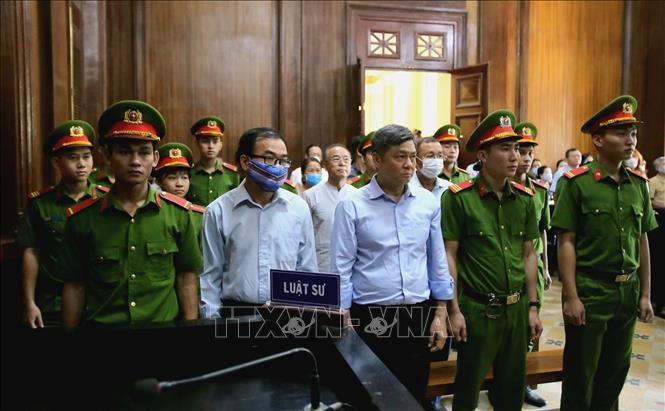 Các bị cáo nghe tuyên án. Ảnh: Thành Chung/TTXVN