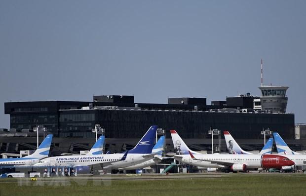 Hiệp hội Vận tải Hàng không quốc tế (IATA) gọi 2020 là năm tồi tệ nhất cùa ngành hàng không thế giới khi lưu lượng hành khách đi lại cả năm ước tính giảm 66% so với năm ngoái, khiến doanh thu giảm hơn 60%