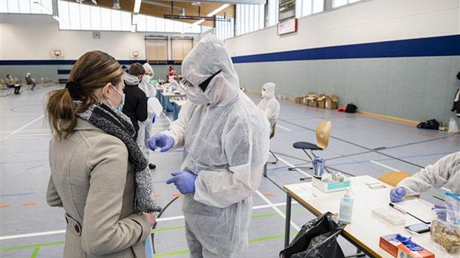 Dịch COVID-19 ngày 11/12: Thế giới có 70.925.659 ca bệnh, 1.592.267 ca tử vong