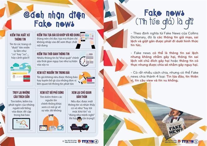 Tờ rơi Nói không với Fake News. Ảnh: TTXVN