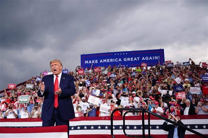 Tổng thống Mỹ Donald Trump phát biểu trong chiến dịch vận động tranh cử ở Bắc Carolina, Mỹ, ngày 8/9/2020. Ảnh: AFP/TTXVN