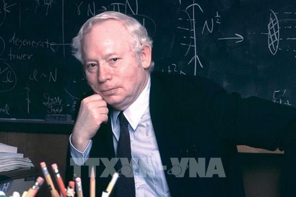 ông Steven Weinberg - một giáo sư làm việc tại Đại học Texas ở thành phố Austin (Mỹ).