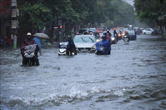 mưa lũ gây ngập lụt tại một số tỉnh thành