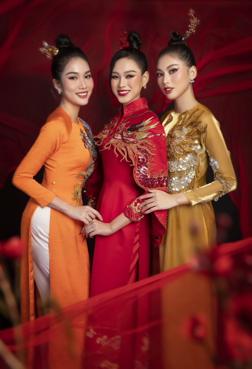 bộ trang phục của NTK Thuỷ Nguyễn,