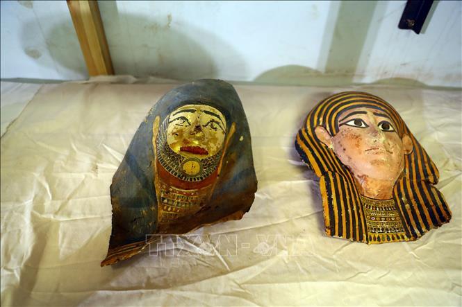 Các cổ vật được khai quật tại khu khảo cổ Saqqara ở phía Nam thủ đô Cairo, Ai Cập, ngày 17/1/2021. Ảnh: THX/TTXVN