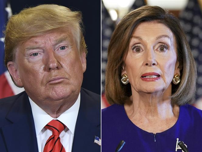 Trong ảnh: Tổng thống Mỹ Donald Trump (trái) và Chủ tịch Hạ viện Mỹ Nancy Pelosi (phải). Ảnh: AFP/TTXVN