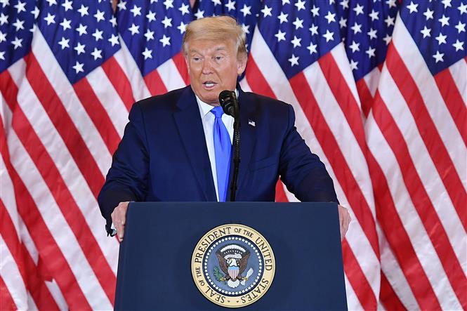 Trong ảnh: Tổng thống Mỹ Donald Trump phát biểu tại Washington, DC ngày 4/11/2020. Ảnh: AFP/TTXVN