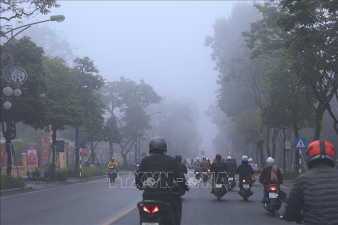 Hà Nội mù sương do không khí ô nhiễm nặng