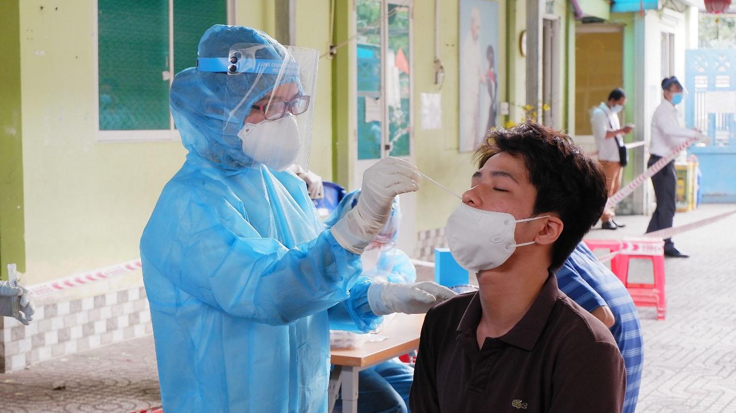 Bộ Y tế nói gì về trường hợp có kháng thể với SARS-CoV-2 ngoài cộng đồng?