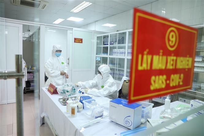 Phòng lấy mẫu xét nghiệm cho tình nguyện viên tham gia đăng ký tiêm thử nghiệm đợt 2 vaccine Nano Covax. Ảnh: Minh Quyết - TTXVN