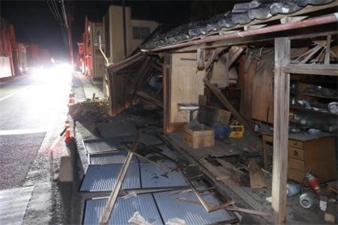 Nhà cửa bị phá hủy sau trận động đất tại Koori, tỉnh Fukushima, Nhật Bản, ngày 14/2/2021. Ảnh: Kyodo/ TTXVN