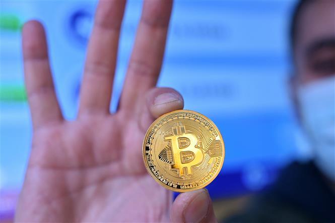 Đồng tiền điện tử bitcoin. Ảnh: AFP/TTXVN