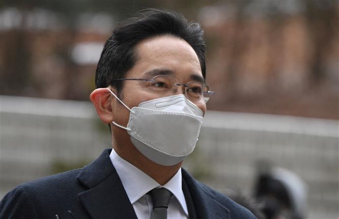 Phó Chủ tịch tập đoàn Samsung Lee Jae-yong tới phiên tòa ở Seoul ngày 18/1/2021. Ảnh: AFP/TTXVN