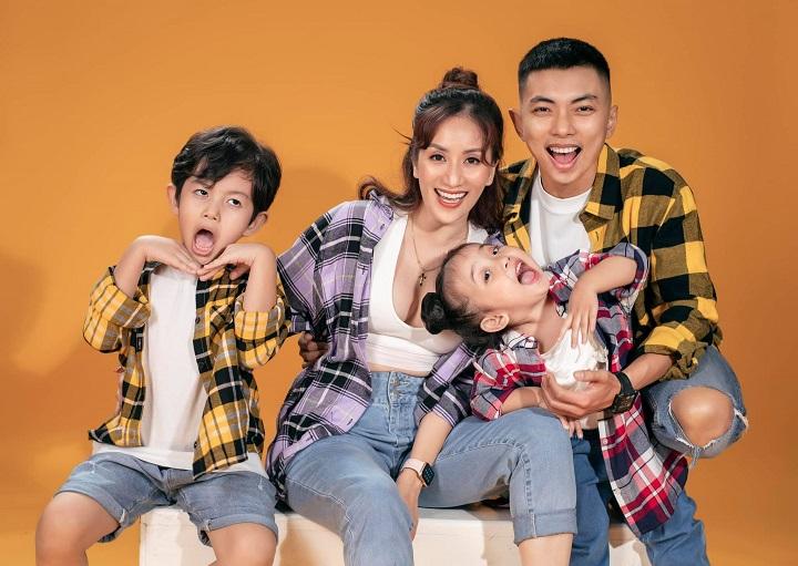Hai con Khánh Thi Phan Hiển, Khánh Thi, Phan Hiển, Khánh Thi Phan Hiển, Hai con của Khánh Thi chuyên nghiệp khi làm mẫu, hai con Khánh Thi làm mẫu