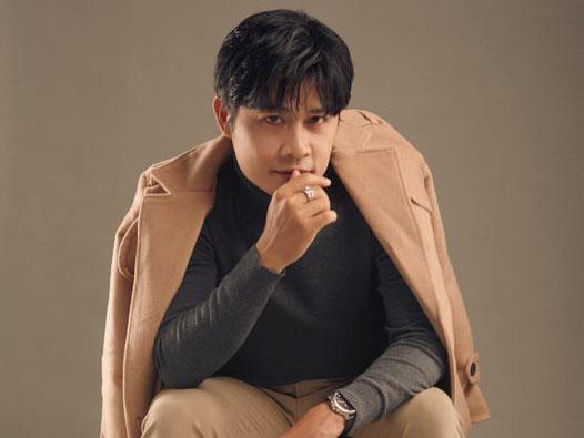 Nhạc sĩ Nguyễn Văn Chung lại gây 'sốt' với phiên bản 'Chiếc khăn gió ấm' mùa Covid