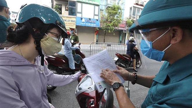 Hà Nội xử lý nghiêm người dùng giấy đi đường giả qua chốt kiểm soát dịch Covid-19