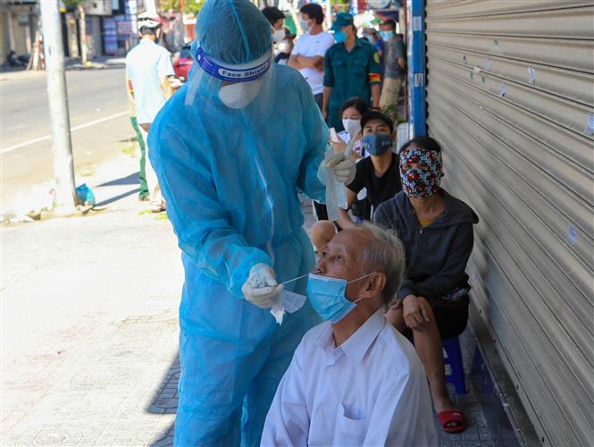 Xét nghiệm Covid-19, Khẩn trương lấy mẫu xét nghiệm, giảm nguy cơ dịch Covid-19, giảm nguy cơ dịch bệnh lây lan ra cộng đồng, lấy mẫu xét nghiệm dịch Covid-19