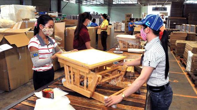 Hà Nội nỗ lực hỗ trợ doanh nghiệp vượt bão Covid-19