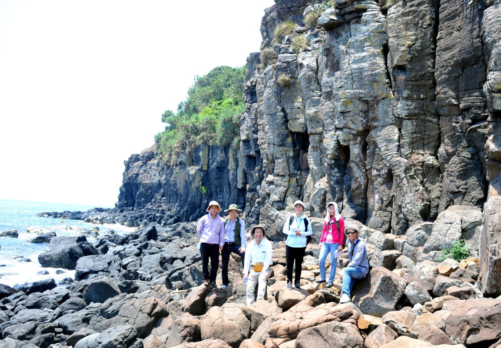 Viện Khoa học Địa chất và Khoáng sản Khảo sát địa chất ở Ba Làng An, tỉnh Quảng Ngãi