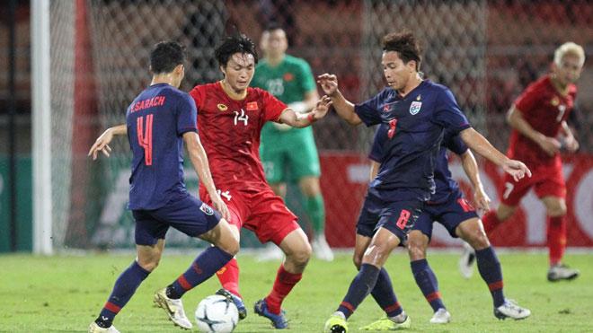 VIDEO: Hoãn trận đấu vòng loại World Cup 2022 giữa Việt Nam và Indonesia