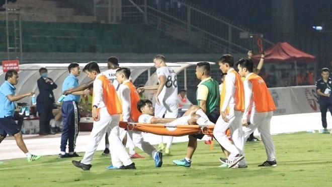 VIDEO: Tiến Linh, Đức Chinh chấn thương khiến HLV Park Hang Seo lo lắng