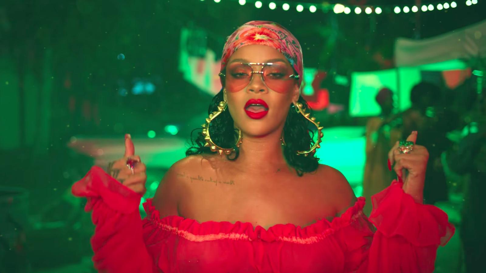 'Quy luật' thời trang của Rihanna