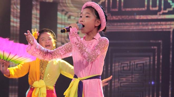 Thần tượng tương lai: Thùy Dung hóa gái quan họ khiến Cẩm Ly ngỡ ngàng