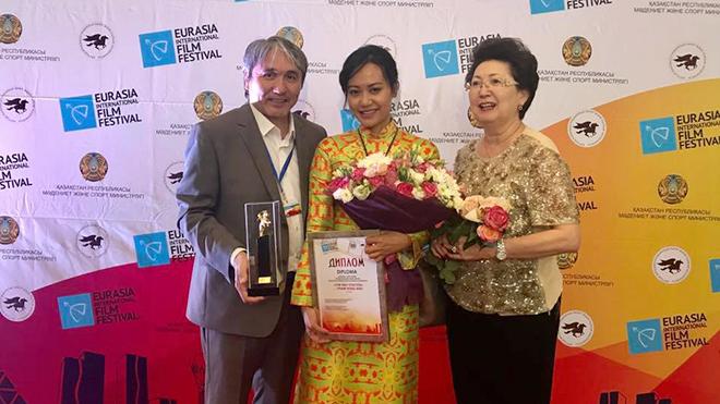 Phim 'Đảo của dân ngụ cư' đoạt giải đặc biệt LHP quốc tế Á Âu 2017