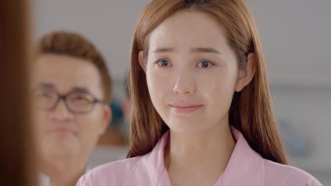 Phương Trinh Jolie dè bỉu Minh Hằng vì nhảy sập sân khấu