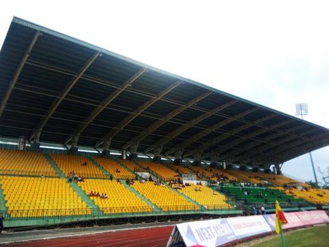 Sân Cần Thơ vắng như Chùa Bà Đanh trong trận tiếp Quảng Nam. Ảnh: Quốc Tài