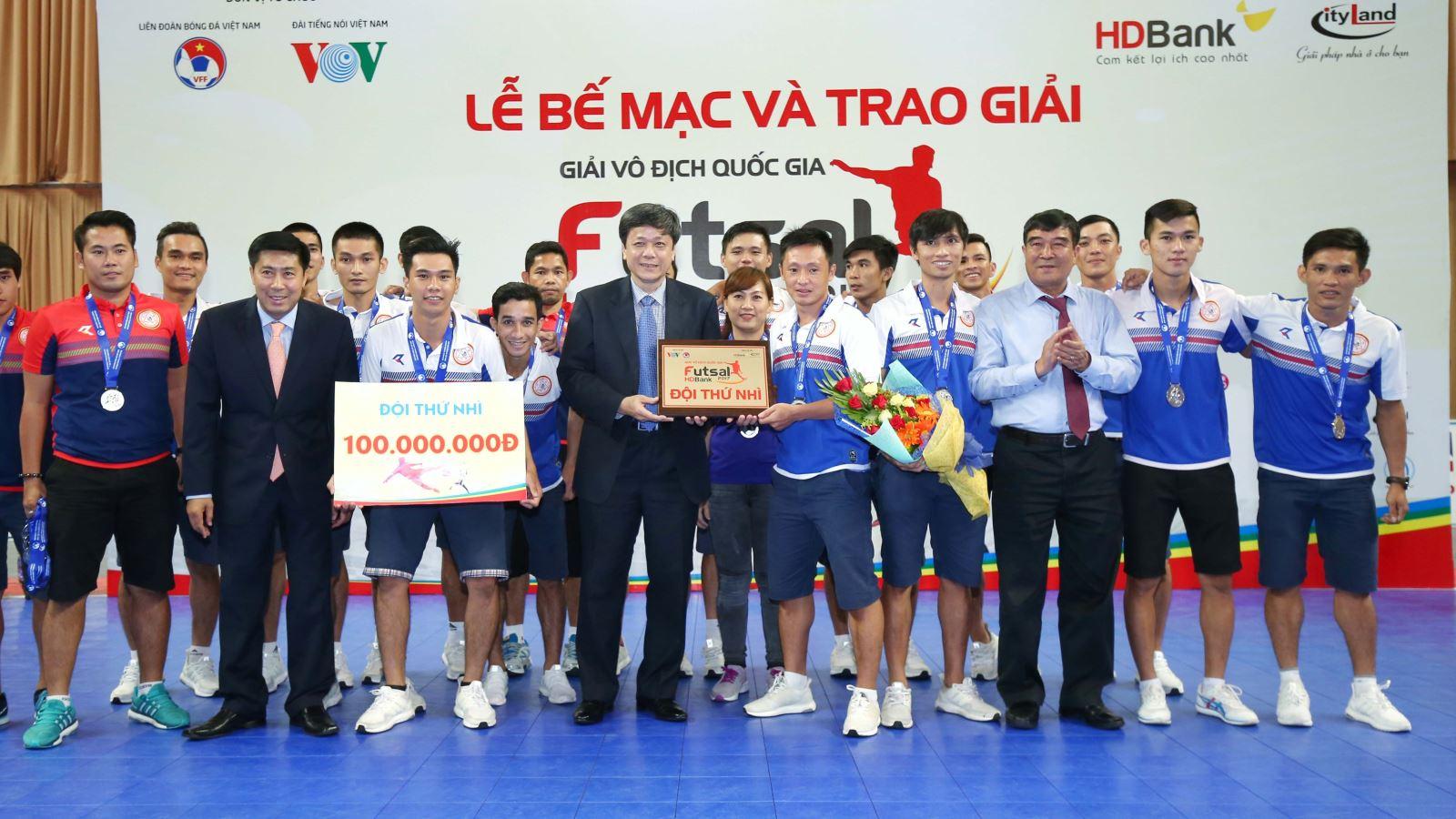 Sanatech Khánh Hòa xứng đáng với vị trí Á quân sau màn rượt đuổi kịch tính với Thái Sơn Nam trong mùa giải năm nay. Ảnh: Quang Phương