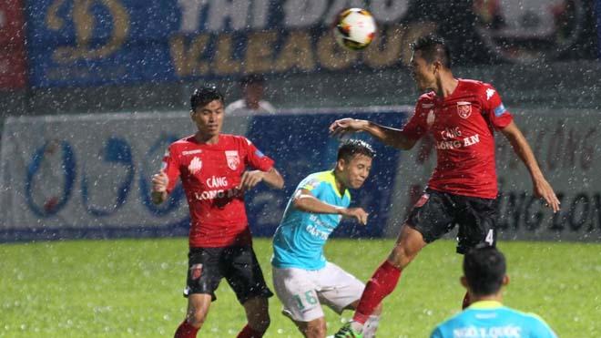 Long An 'buông' Cúp QG để dồn sức cho V-League