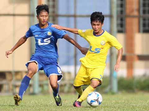 Đồng Tháp (vàng) bất ngờ bị đối thủ yếu Sanatech Khánh Hòa chia điểm. Ảnh: Quang Phương