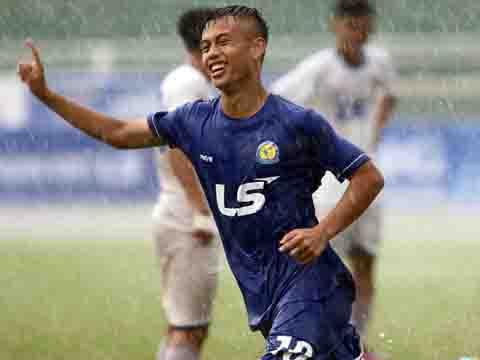 Ngôi sao U16 Việt Nam - Khắc Khiêm chứng tỏ mình là một tài năng đầy triển vọng ở hàng tiền đạo đội tuyển Việt Nam trong tương lai. Ảnh: Quang Phương