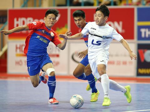 Sanatech Khánh Hòa vẫn chưa chịu thua Thái Sơn Nam trong cuộc đua đến chức vô địch. Ảnh: Quang Phương