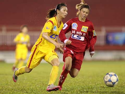 TP.HCM 1 vô địch lượt đi với 18 điểm sau chiến thắng 7-0 trước Hà Nội 2 tối 1/6. Ảnh: Quang Phương