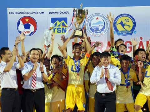 U17 Đồng Tháp đang là đương kim vô địch giải đấu. Ảnh: Quang Liêm