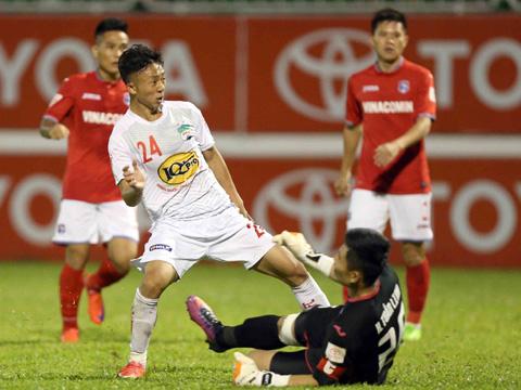 Cuộc so tài giữa HAGL và Than Quảng Ninh là tâm điểm vòng 1 Cúp QG. Ảnh: VPF