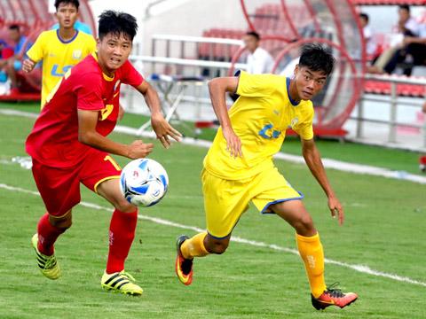 SHB Đà Nẵng (vàng) bất ngờ thất bại trước Công an nhân dân