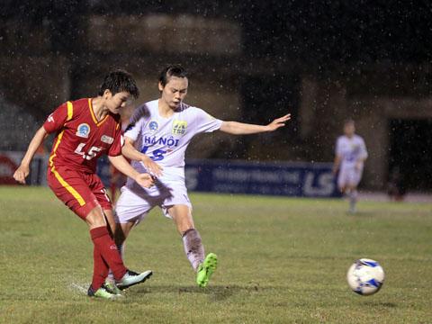 TP.HCM 1 bại trận trước Hà Nội (trắng)