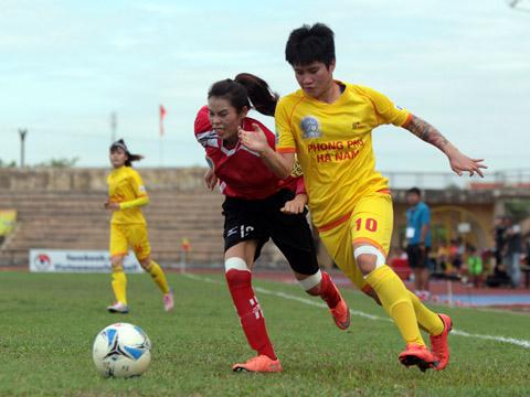 Chân sút Lê Thu Thanh Hương đang trở lại ấn tượng cùng Phong Phú Hà Nam