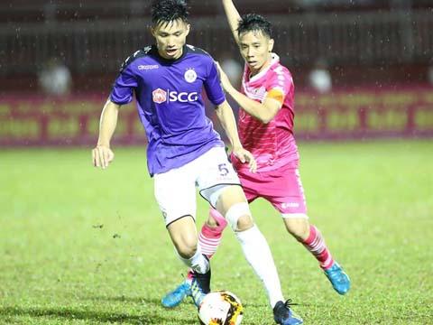 Sài Gòn đã vượt mặt TP.HCM, còn Hà Nội của Văn Hậu vẫn duy trì cách biệt 10 điểm với Than Quảng Ninh. Ảnh: ĐV
