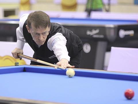 Tượng đài billiards thế giới Blomdahl Torjorn bất ngờ thất bại. Ảnh: LG