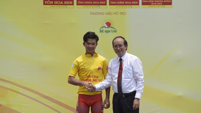 Tay đua 16 tuổi lập kỳ tích ở giải xe đạp BTV Cup 2018